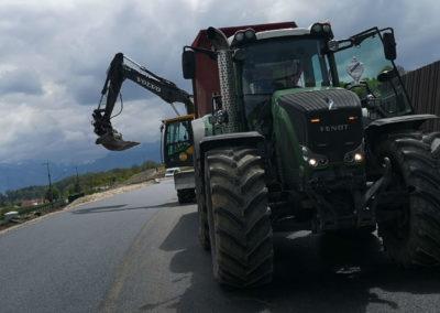 sarl tissot location avec chauffeur pelleteuse 5 t et 15 t tracteur benne tp poly benne en